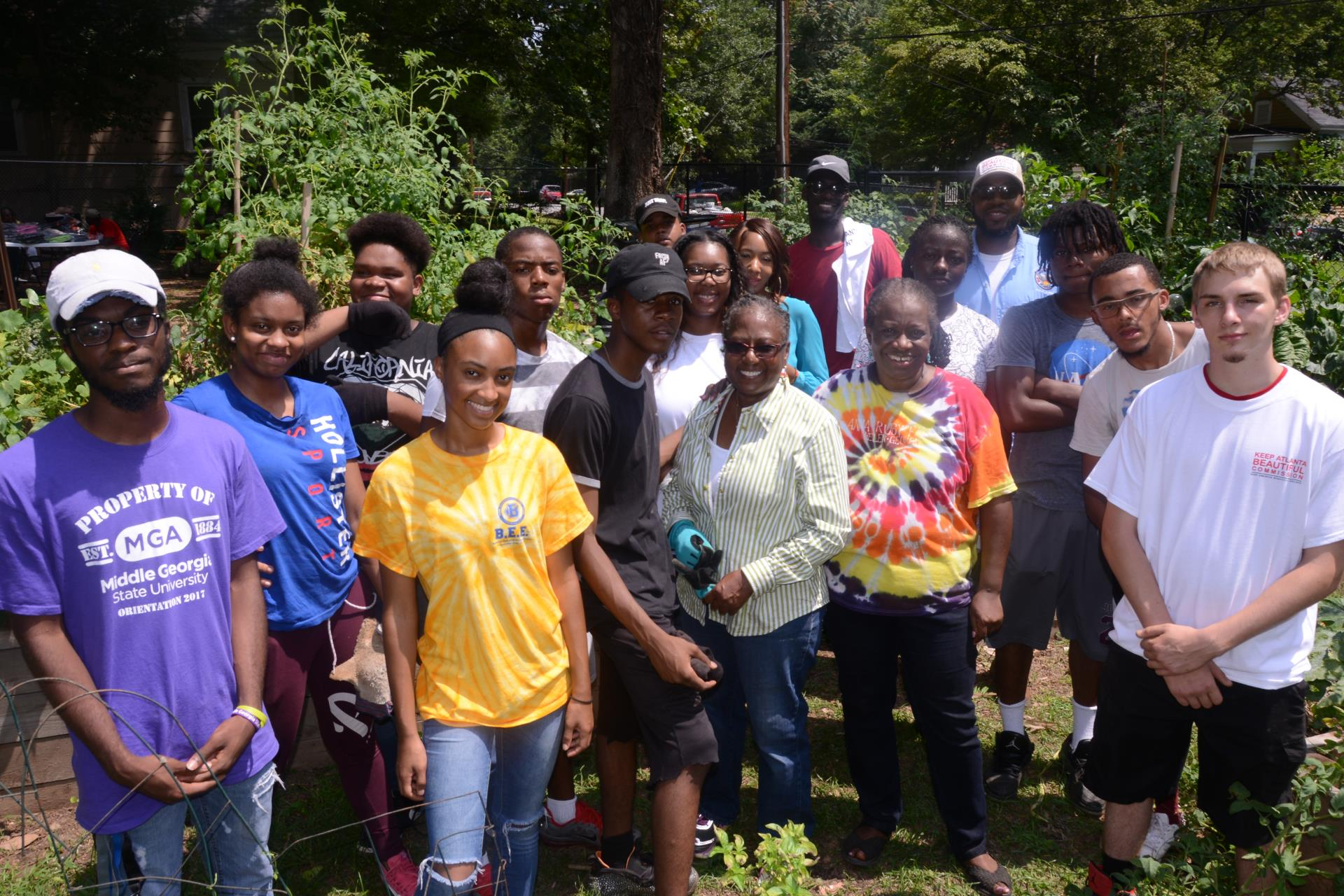 Youth visit Capital View Gardens